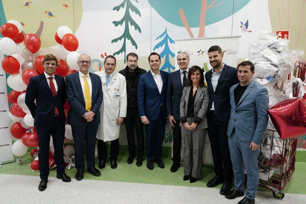 Entrega de juguetes hospitales de Madrid